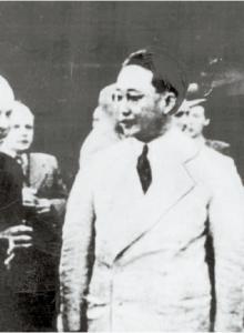 1947년 덕수궁에서 열린 가든파티에 참석한 여운형, 김규식, 이묘묵, 미국측 랭던, 소련측 스티코프(오른쪽부터).[중앙포토]